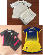 kids kit 19-20 Leeds United home away goalkeeper soccer jersey