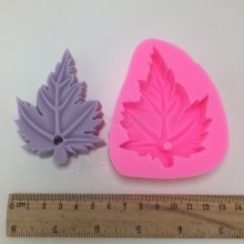 BN009 Maple silicone molds aroma wax tablets mould decorative pendant silicon mold
