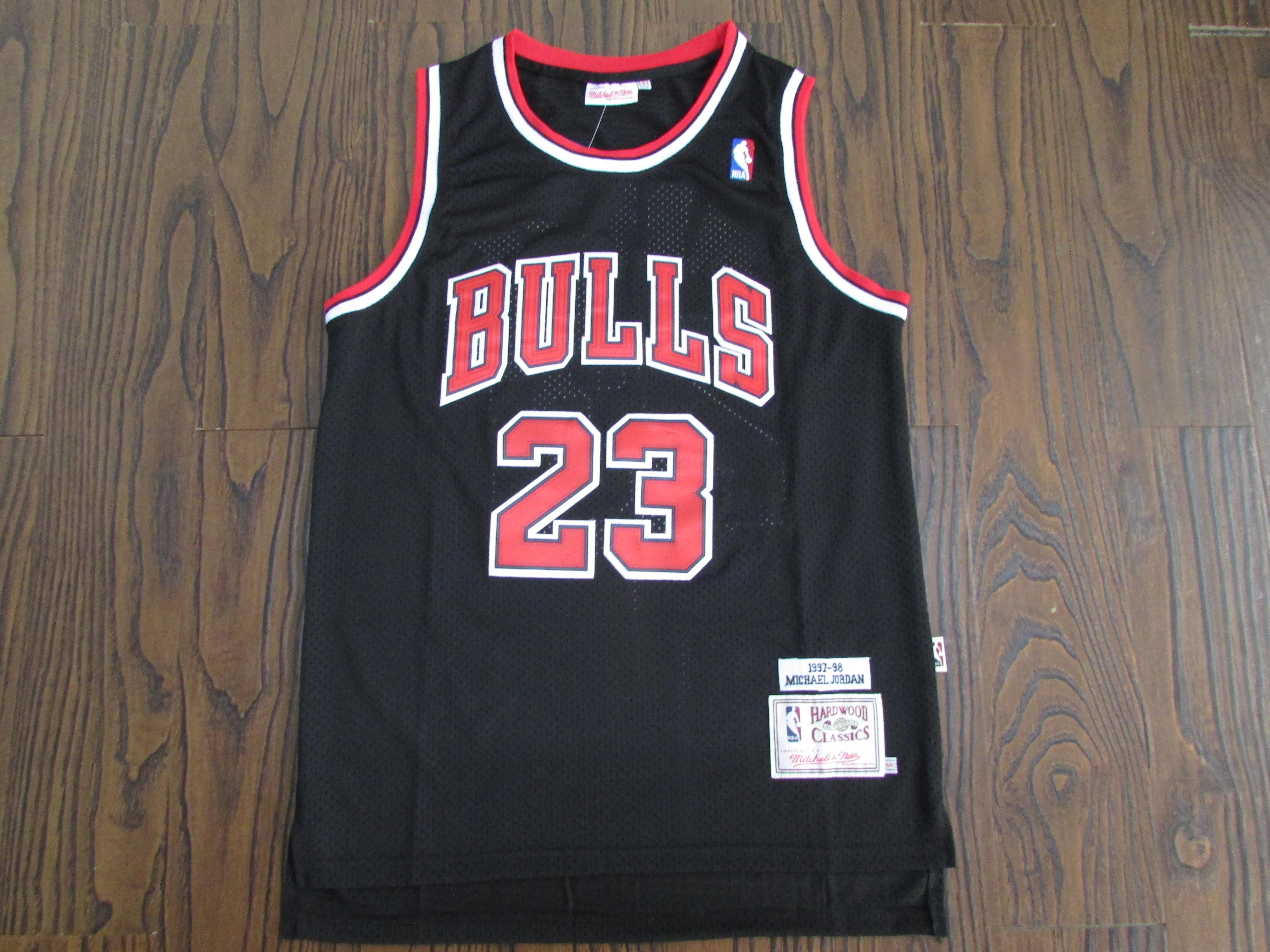 97 98 Michael Jordan #23 Chicago Bulls Basketball Trikot Jersey Stitched Weiß DE
