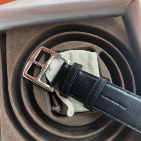 Hermes 35mm Etriviere belt, matching fine needle luster feeling metal buckle carefully created