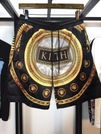 Versace x HITH2019ss joint show series, magic mirror black gold shorts
