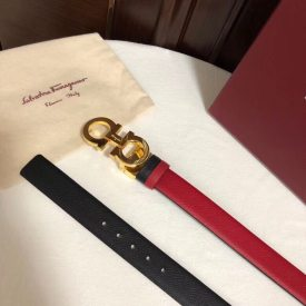 Ferragamo women's 2.5cm horseshoe buckle belt, with a double-sided cut and a matching denim dress
