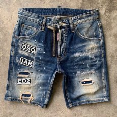DSQUARED2 denim shorts small stretch slimming version, patch with cloth, wash and wear out the holes paint spots