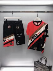 Fendi 19ss summer new round collar, short sleeve T-shirt and casual shorts combo suit