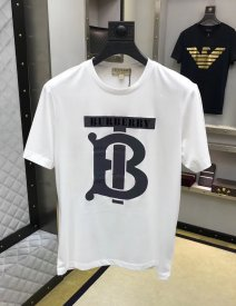 Burberry's new spring/summer 2019 short-sleeved T-shirt