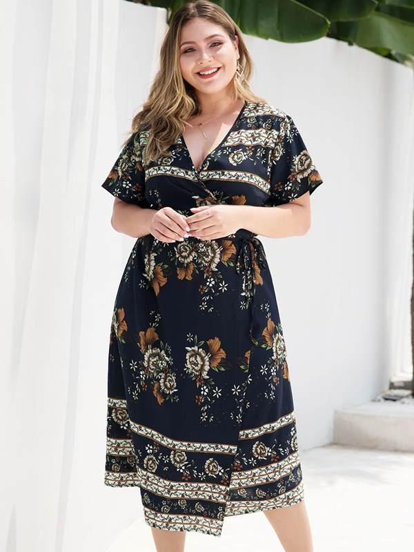 Plus Size Navy Floral Print Beach Long Dress
