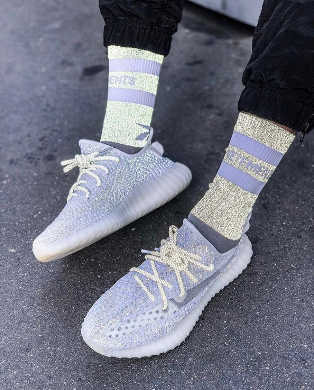 Authentic Adidas Yeezy Boost 350 V2 Static