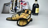 Burberry men slippers (31)