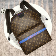 LV Backpack AAA (221)