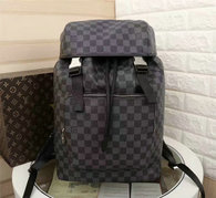 LV Backpack AAA (219)