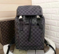LV Backpack AAA (217)