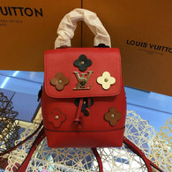 LV Backpack AAA (226)