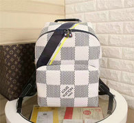 LV Backpack AAA (222)