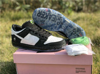 "Authentic Staple x Nike SB Dunk Low ""Panda Pigeon"""