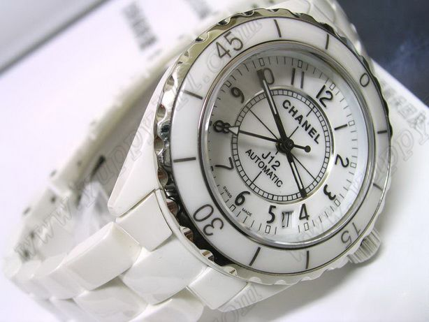シャネルChanel J12 White Ceramic Men Swiss Eta 2824 Taiwan version自動巻き