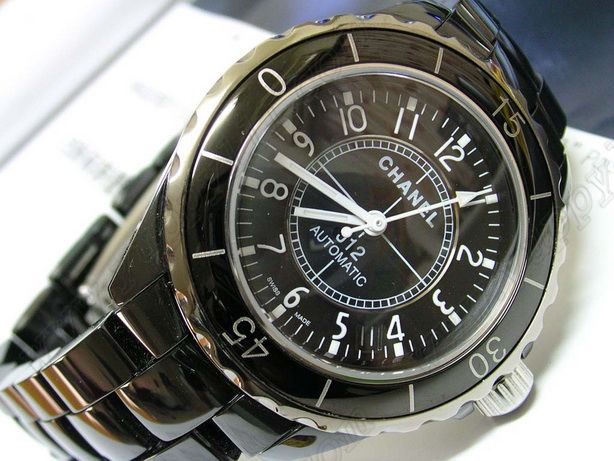 シャネルChanel J12 Black Ceramic Men Swiss Eta 2824 Taiwan version自動巻き
