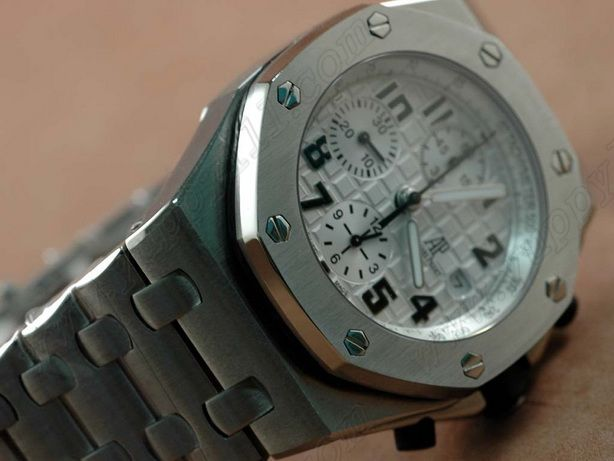 オーデマ・ピゲAudemars Piguet Royal Oak Off shore 7750自動巻き