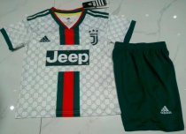 Juventus 19/20 Kids Soccer Jersey and Short Kit