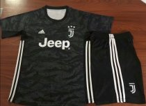 Juventus 19/20 Goalkeeper Soccer Jersey and Short Kit