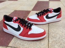 Air Jordan 1 OG Chicago Low size 8-10