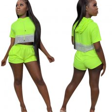 Two-piece fluorescent casual short-sleeved shorts