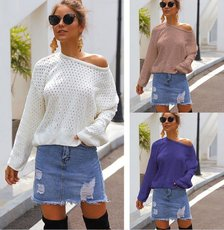 Point hollow sweater with long sleeves and loose knitting