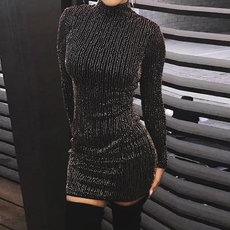 Round neck long sleeve pencil skirt