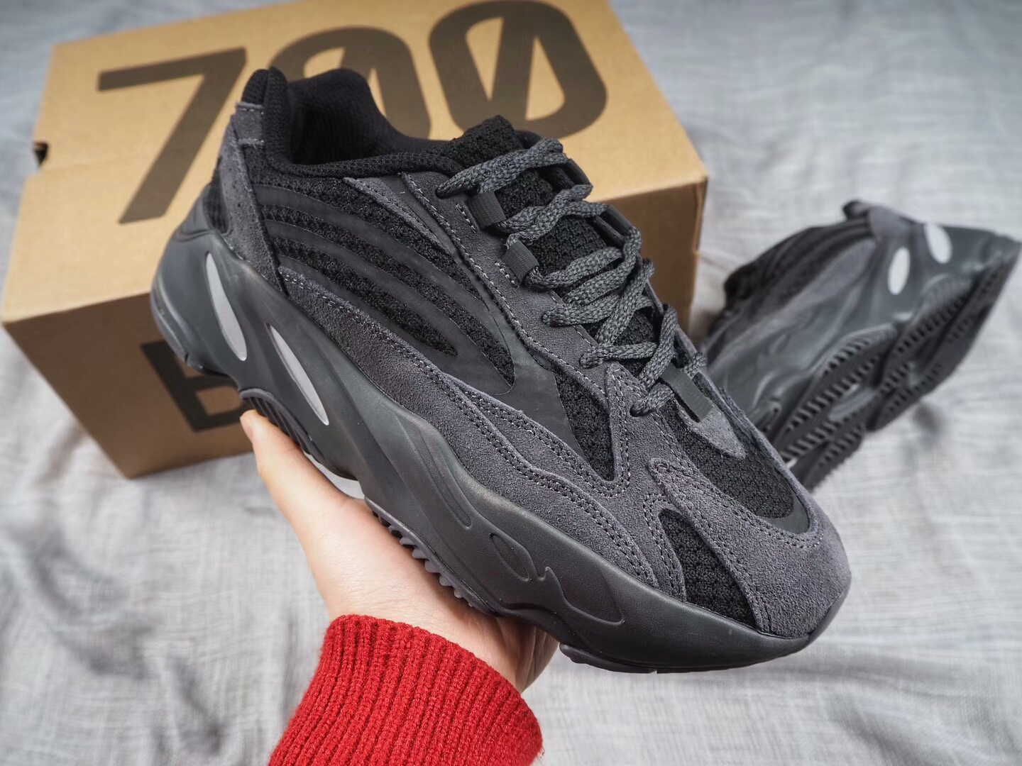 low priced 9000f 27034 Adidas Yeezy Boost 700 V2 3M Fluorescence Sneakers Black