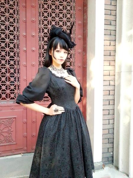 Surface spell~lady in black Dark grain lantern sleeves lolita op dress