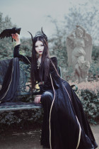 SurfaceSpell ~The witch queen ~Middle Ages double sleeved velvet dress