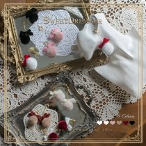 SweetDreamer Snow Country Girl Cute Cute Rabbit Hair Ball Velvet Bow Rhinestone Ear Clips