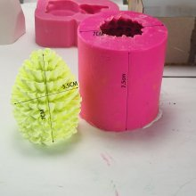 bk1164 Korean style pinecone bee candle silicone mold