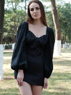 Sweatheart Neck Black Batwing Sleeve Fitted Ruched Dress