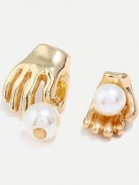 Asymmetric Pearls Hand Stud Earrings