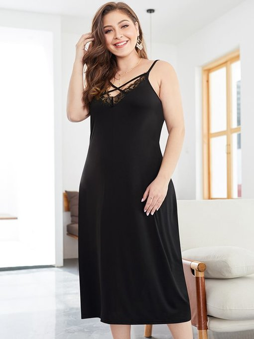 Plus Size Black Lace Trim Backless Slip Dress