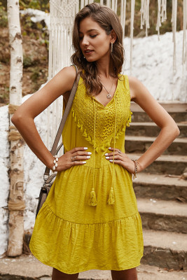 Yellow V-neck Sleeveless Midi Dress