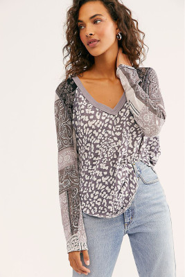 Gray Leopard Print Splicing V-Neck Long Sleeve Top