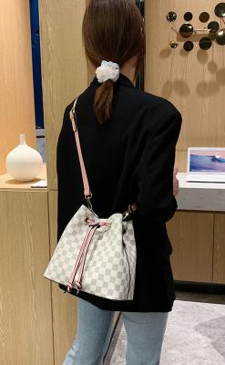 Simple Diagonal Shoulder Bucket Bag