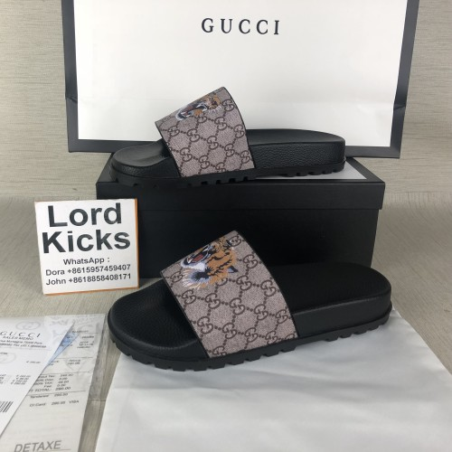 Gucci slide sandas in GC Supreme canvas with printed tiger