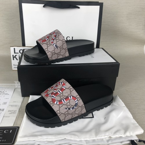 Gucci  slide sandals in canvas with Snake king print