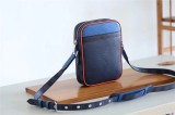 Louis Vuitton Bag   (16x21x4.5cm)