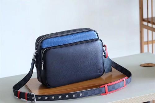 Louis Vuitton Bag   (30x22x9cm)