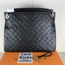 Louis Vuitton Women bag (40X32cm)