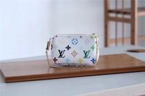 Louis Vuitton Women bag  (M58009)