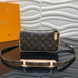 Louis Vuitton Bag   (M51828)