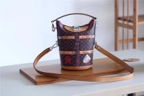 Louis Vuitton Women bag (M52276)