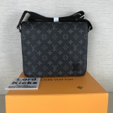 Louis Vuitton Bag (M44000)