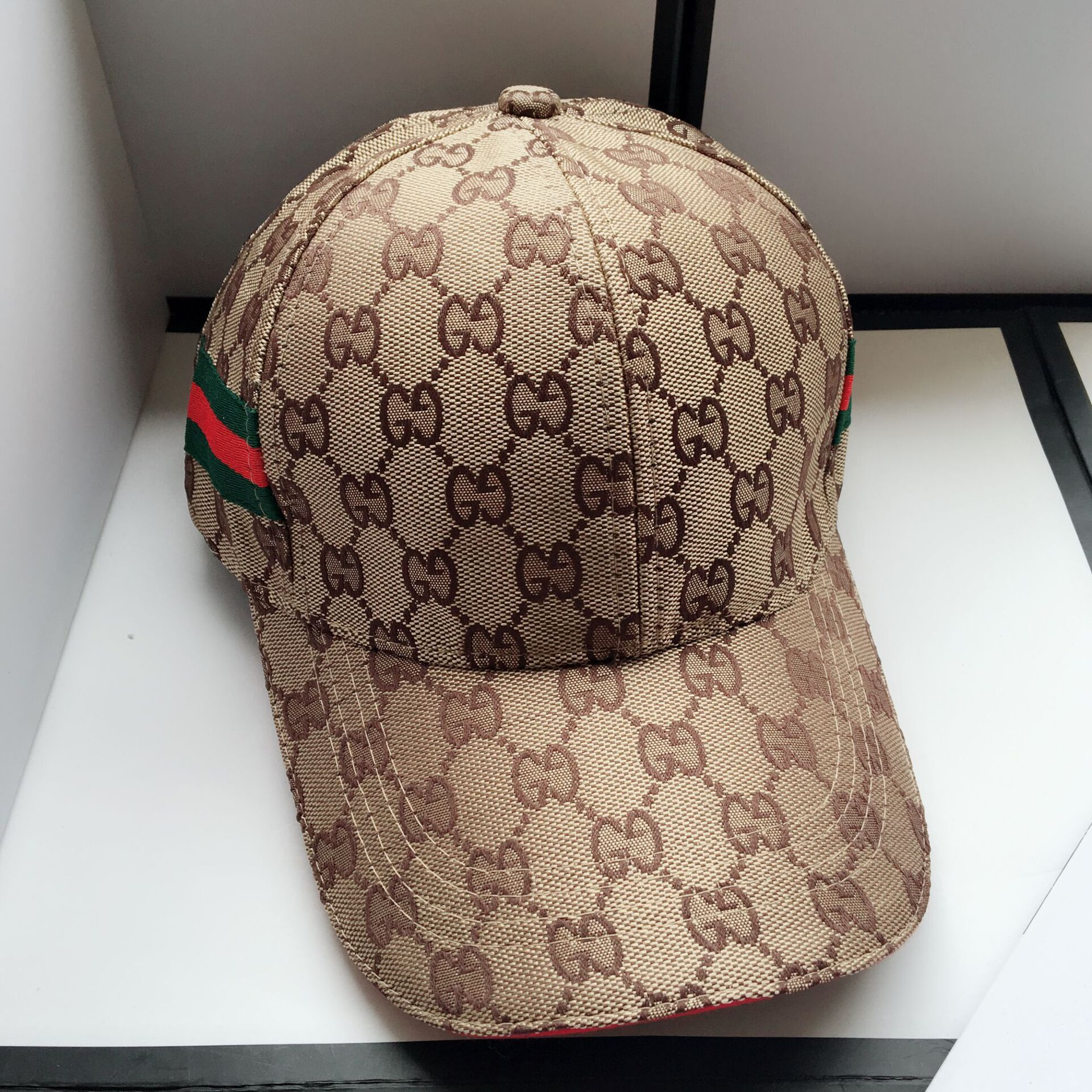 Fashion visor