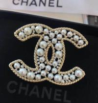 Chanel brooch with Crystal Pearl A0641