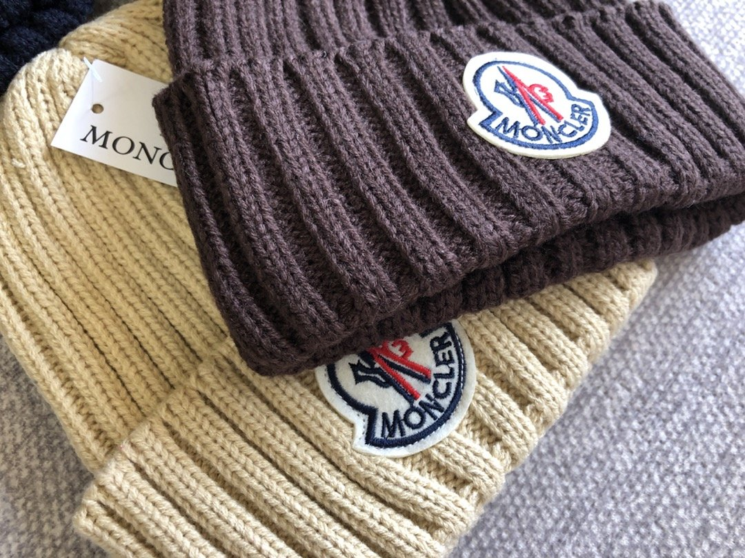Moncler Woolen Knitted Hat CA024